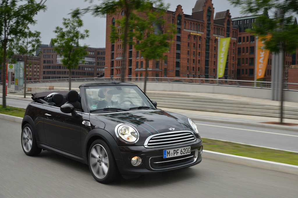 R57-Convertible-90131120-highRes